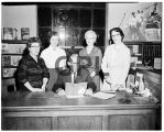 Mayor Hugh Patterson with group of ladies, 1960