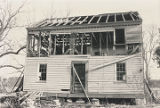 Front of the Hopkins Pratt House in Centreville, Alabama, during its demolition.