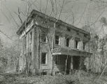General view of the front of Elm Bluff (Crocheron house) at Elm Bluff Landing in Sardis, Alabama.