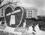 """Heart of Alabama"" float in Governor Jim Folsom's inaugural parade in Montgomery,..."