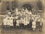 Students in front of the school building at Wylam in Jefferson County, Alabama.